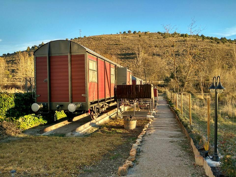 Alójate En Un Antiguo Vagón De Tren Restaurado Con Actividad Para Dos Personas Chequealo